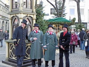 Carollers at the Alter Market entrance.