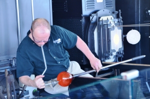 Glass-blowing on the Pacific with the Corning Museum Hot Glass Show.