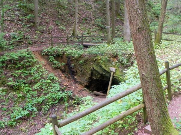 The entrance to the abandoned Peg Leg iron mine.